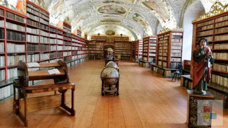 Strahov Bibliothel TheologischerSaal1
