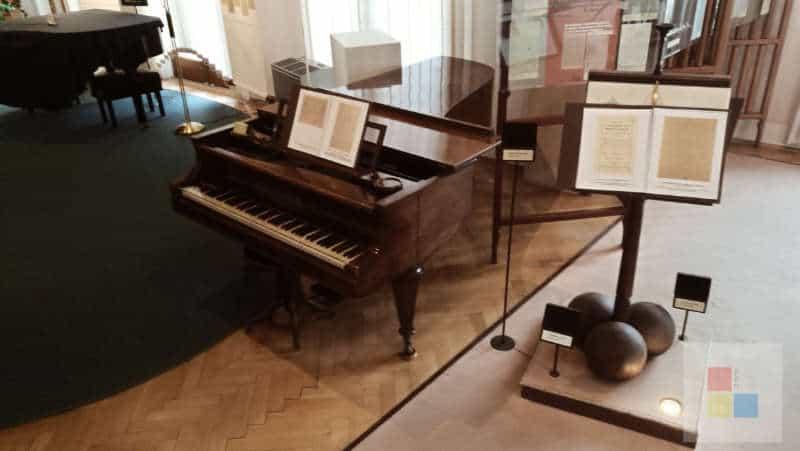 Konzertflügel Smetana