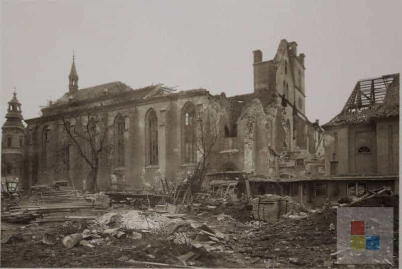 Ruine des 1945 zerstörten Emmaus Klosters in Prag.