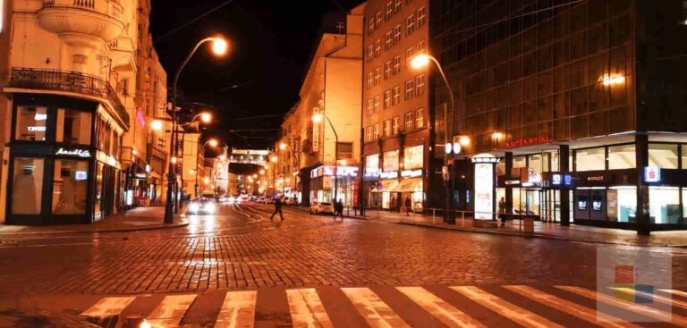 Taxi fahren in Prag | Leere Straße