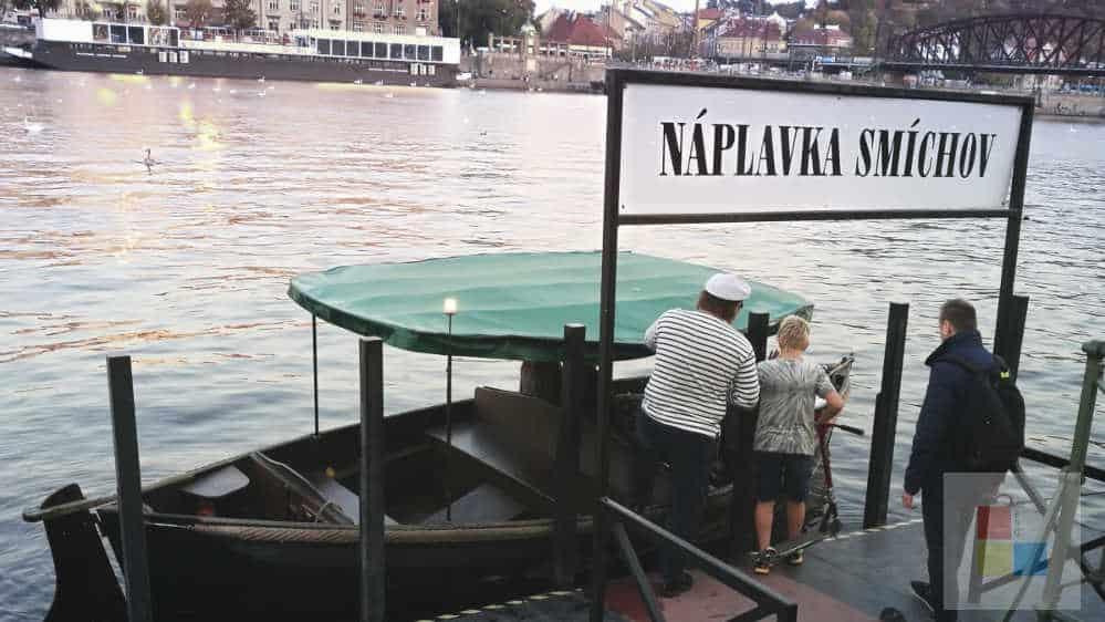Fähre am Naplavka
